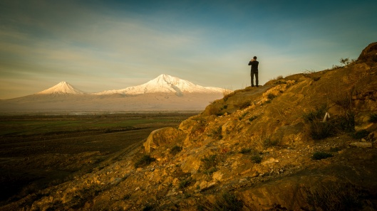Photographer before Ararat mountain